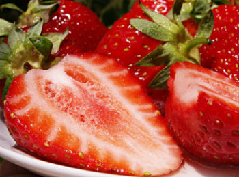 How Many Calories Are There in Strawberries